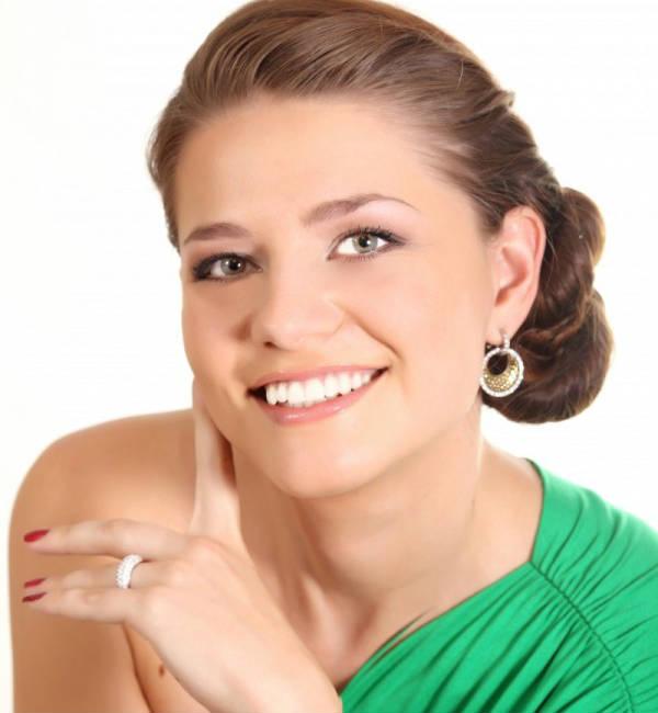 Лазерное отбеливание зубов - изображение на странице - фотография женщины